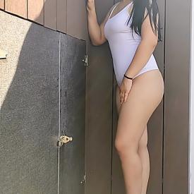 Amy 18 J
